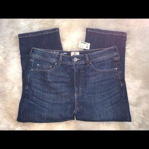 NWT D/C Jeans Capri - Sz 14